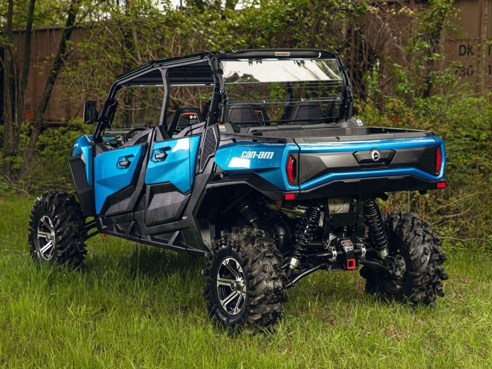 """A Can Am Commander XT with a 3"""" lift kit"""