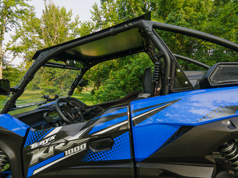 A picture of a UTV roof.